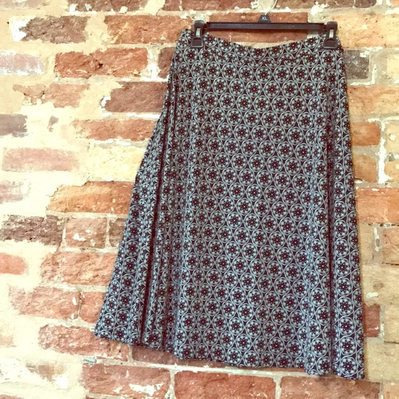 George Dresses & Skirts - Stretchy all seasons skirt
